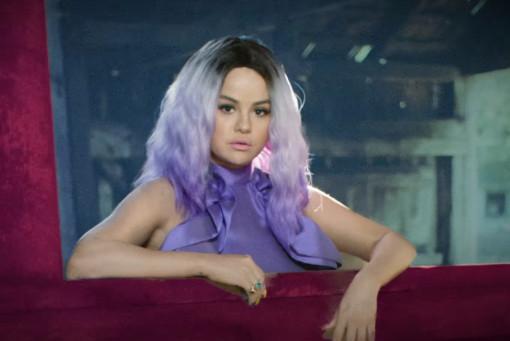 100812 Selena Gomez, Camilo — 999, новый клип