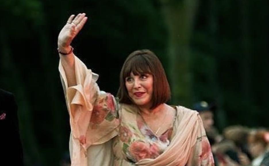 Актриса Наталья Варлей продала элитную недвижимость в Москве и переехала в домик в лесу