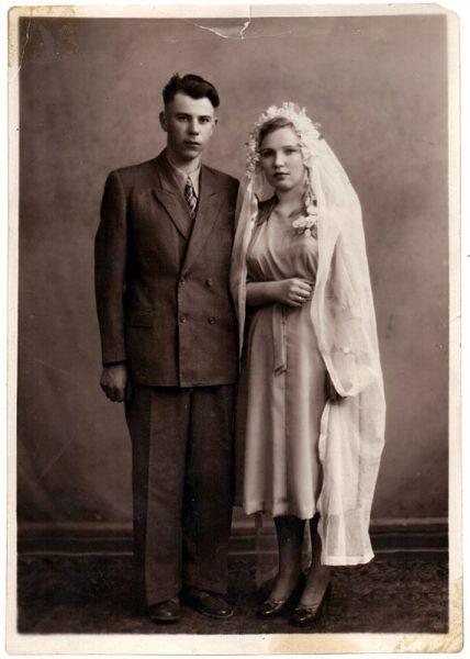 Подборка свадебных фотографий того времени. Посмотрим, как это было раньше?