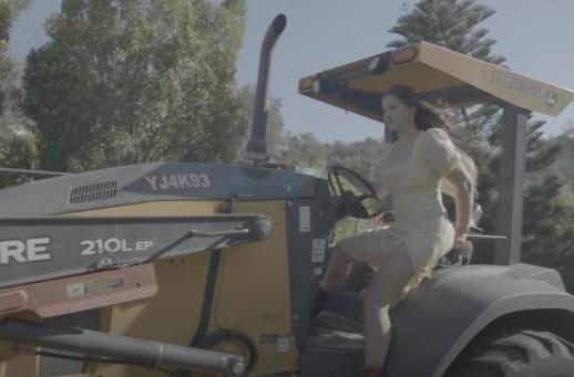102264 Lana Del Rey — Blue Banisters, новый клип